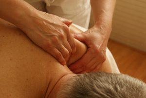 masaż ból szyi ramion jak zapobiegac