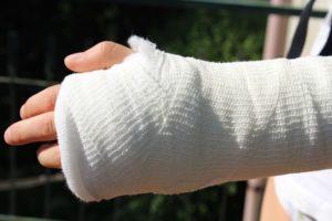 kontuzja przedramienia dłoni